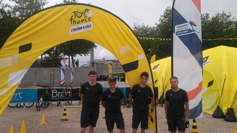 Quatre membres de l'ETR à l'animation du Fan park du Tour de France à Brest